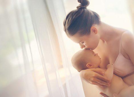 Где провести съемку малыша дома или в студии?